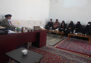دیدار اعضای مکتب زینیون شهید سلیمانی بافق با امام جمعه