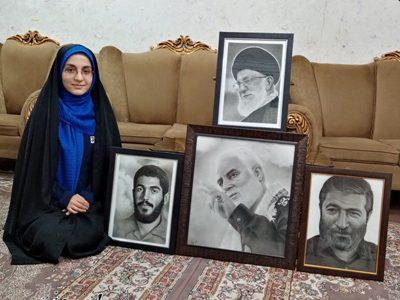 تحولی که طراحی چهره شهید در هنرمند بافقی به وجود آورد/ هنرمند سیاه قلم بافقی از عمق نگاه سردار سلیمانی می گوید